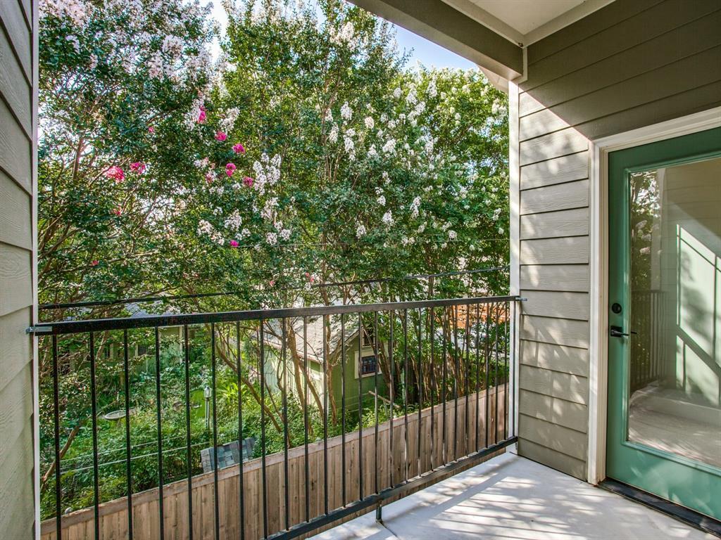 Active | 312 N Henderson Avenue #2 Dallas, Texas 75214 0