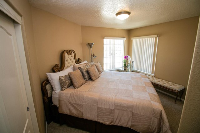 Closed | 13440 Chinquapin  Drive Victorville, CA 92395 21