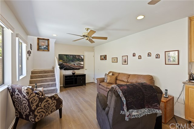 Active Under Contract   1704 Autumnglow  Drive Diamond Bar, CA 91765 16