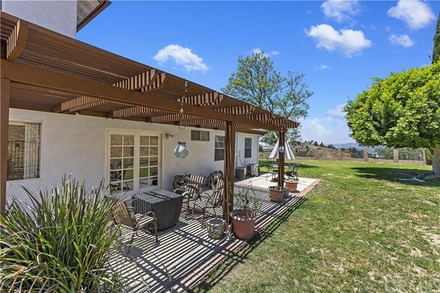 Active Under Contract   1704 Autumnglow  Drive Diamond Bar, CA 91765 40