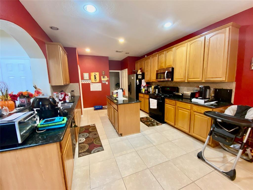 Pending | 20946 Field Manor  Lane Katy, TX 77450 19