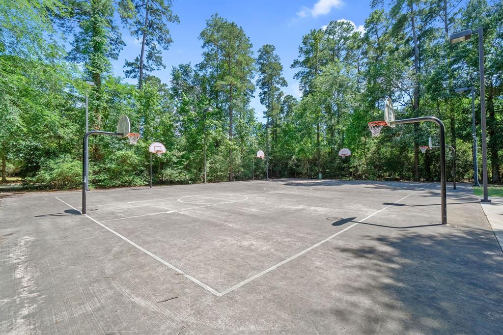Active | 19 Cantwell Way The Woodlands, Texas 77382 16