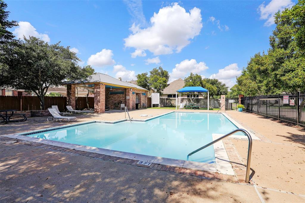 Active | 12306 N Shadow Cove  Drive Houston, TX 77082 43