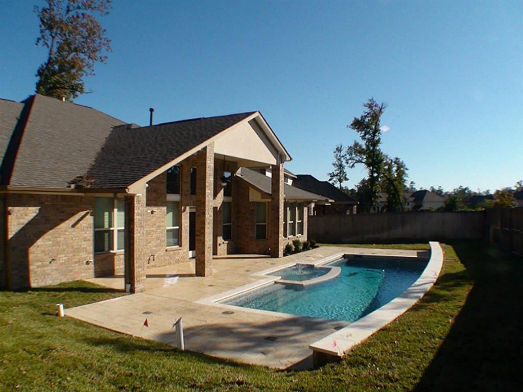 Active   43 Tioga  Place Tomball, TX 77375 1