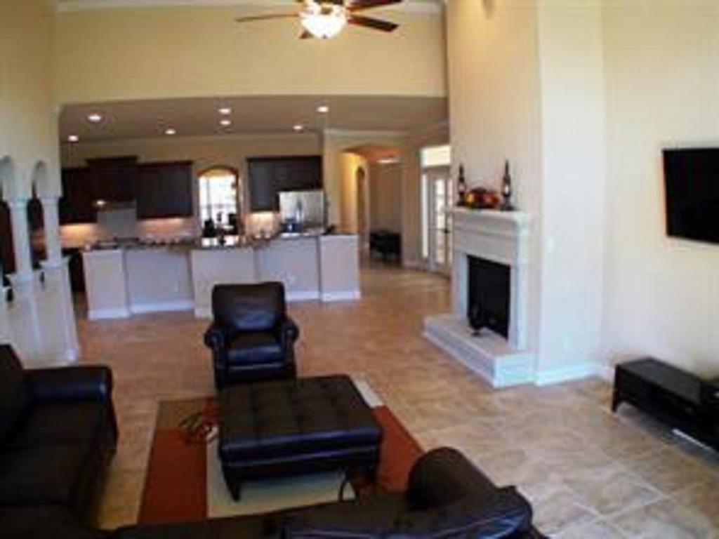 Active   43 Tioga  Place Tomball, TX 77375 10