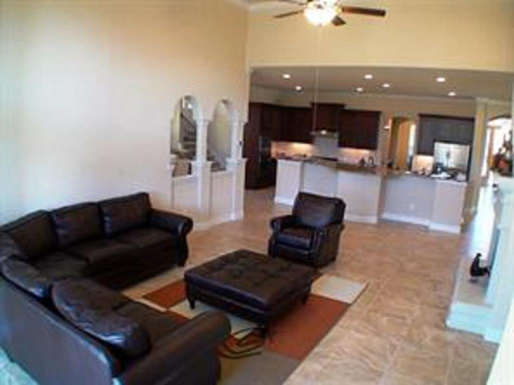 Active   43 Tioga  Place Tomball, TX 77375 11