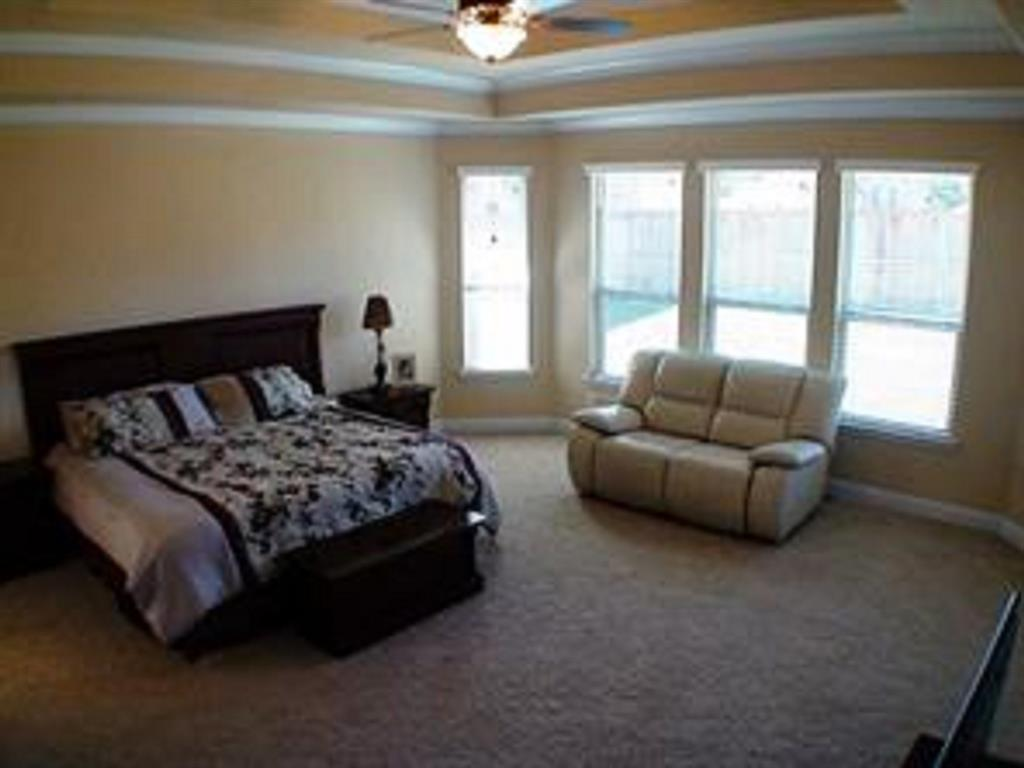 Active   43 Tioga  Place Tomball, TX 77375 19