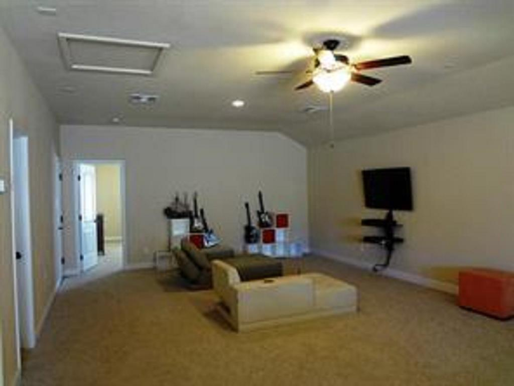 Active   43 Tioga  Place Tomball, TX 77375 25