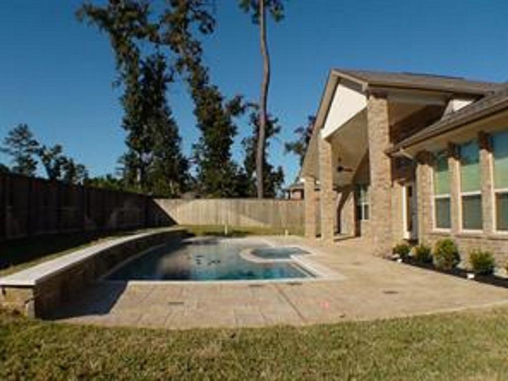 Active   43 Tioga  Place Tomball, TX 77375 26