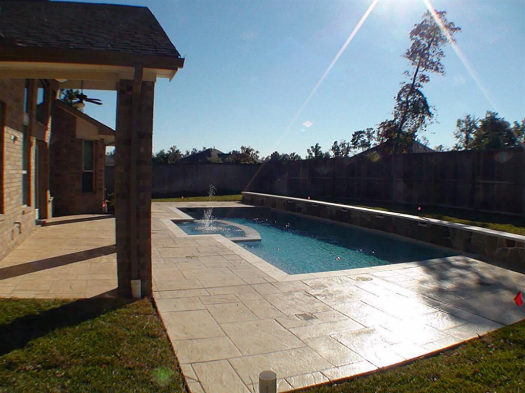 Active   43 Tioga  Place Tomball, TX 77375 27