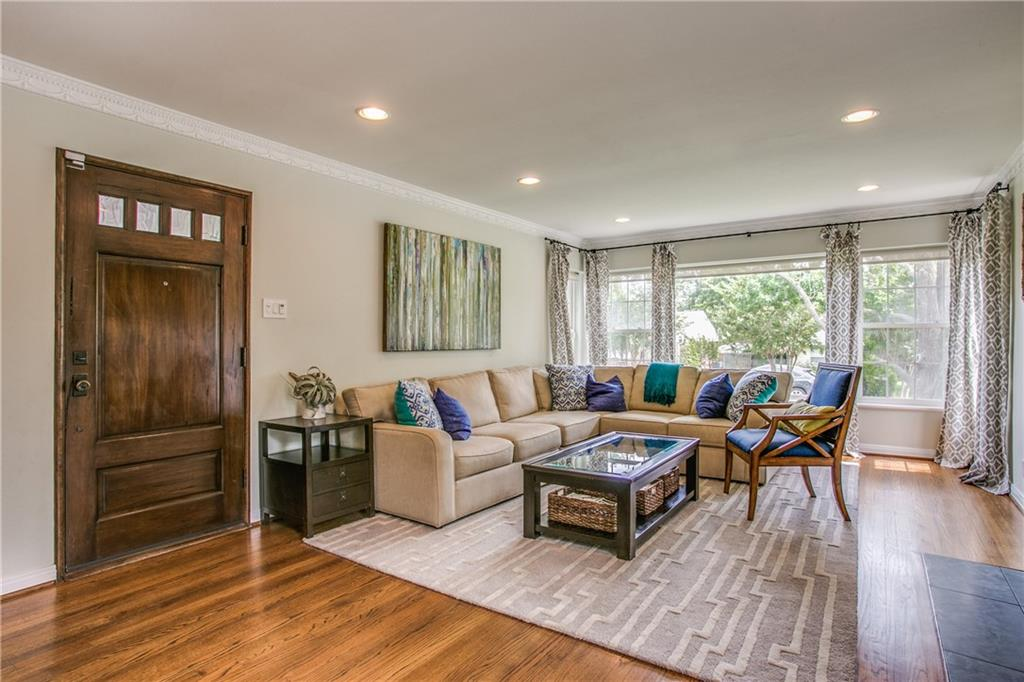 Sold Property | 6809 Southridge Drive Dallas, Texas 75214 2