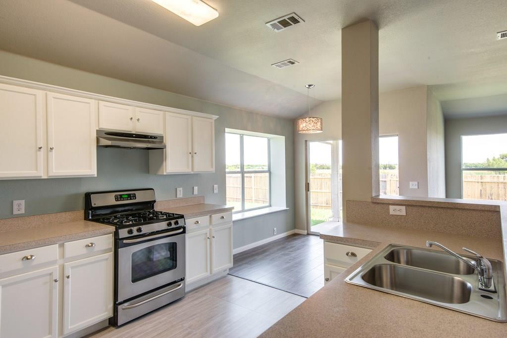 Sold Property | 8536 Minturn Drive Fort Worth, Texas 76131 6