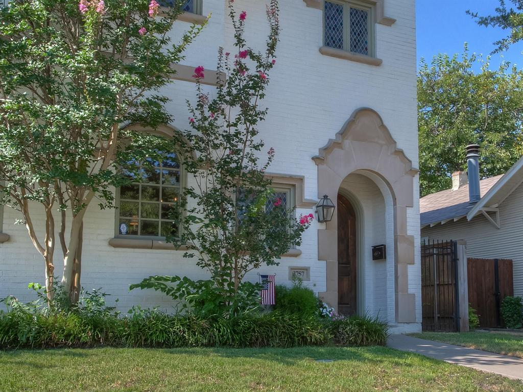 Active | 3757 W 5th  Street Fort Worth, TX 76107 2