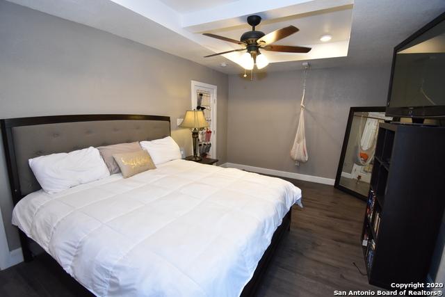 Pending | 947 W ROSEWOOD AVE San Antonio, TX 78201 14