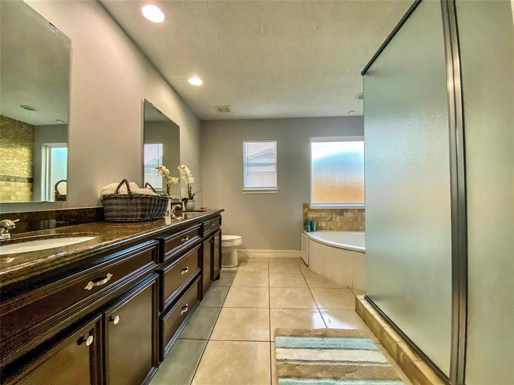 Active | 2610 Lower Valley  Drive Houston, TX 77067 12