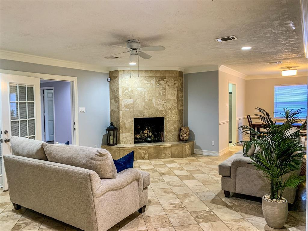 Active | 2610 Lower Valley  Drive Houston, TX 77067 5