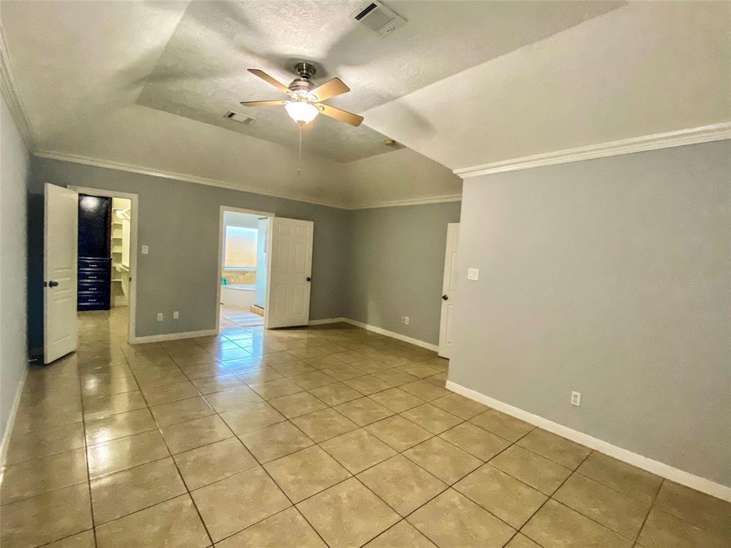 Active | 2610 Lower Valley  Drive Houston, TX 77067 10