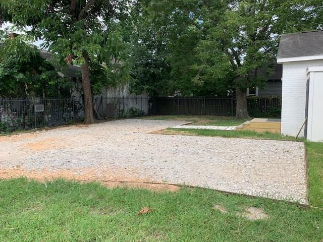 Pending | 2109 Thomas St  Street #B Houston, TX 77009 3