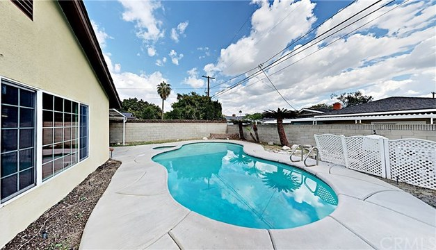 Closed | 9418 Tweedy Lane Downey, CA 90240 15