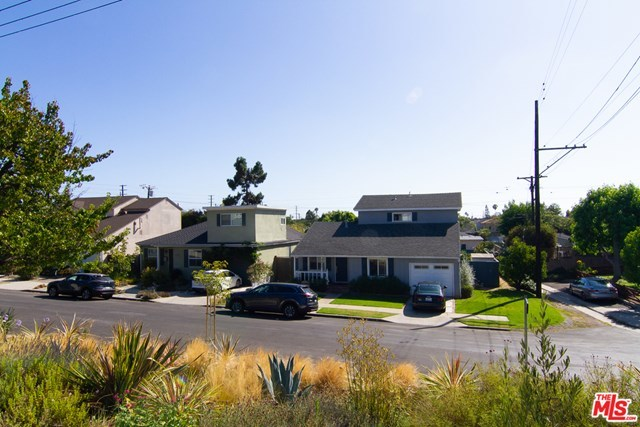 Closed | 3654 S Stewart Avenue Los Angeles, CA 90066 7
