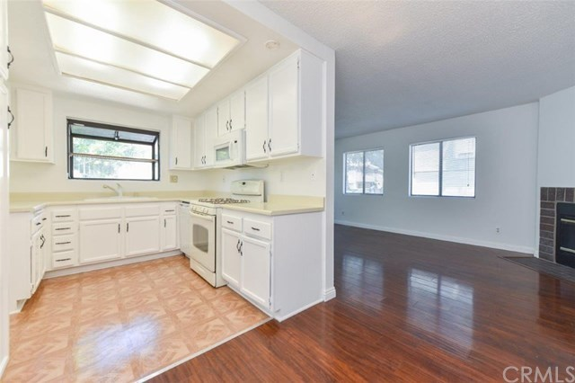 Active Under Contract   11936 Ottawa  Place #87 Chino, CA 91710 10
