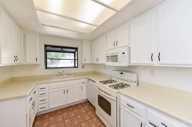 Active Under Contract   11936 Ottawa  Place #87 Chino, CA 91710 14