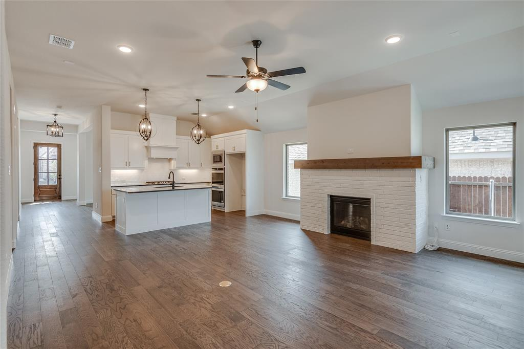 Active | 14304 Spitfire  Trail Fort Worth, TX 76262 16