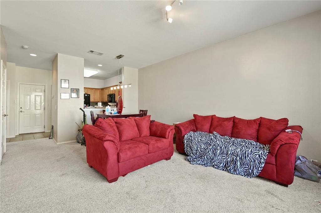 Housed Real Estate | 2218 Canterbury Park  Drive Grand Prairie, TX 75050 10