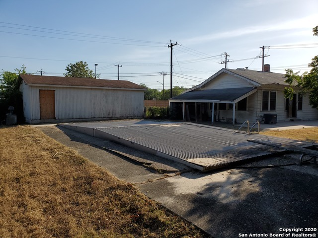 Active   6925 S Flores St San Antonio, TX 78221 27