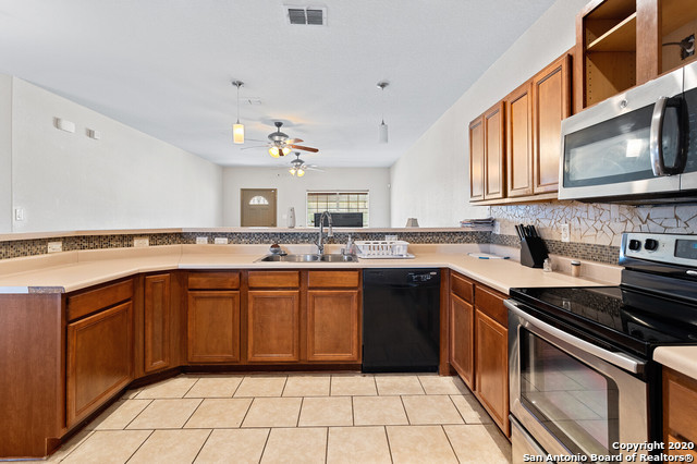 Active Option | 176 WHITEWING WAY Floresville, TX 78114 15