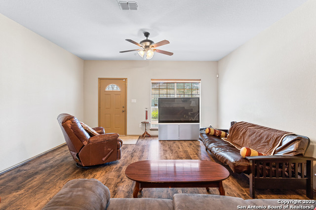 Active Option | 176 WHITEWING WAY Floresville, TX 78114 5