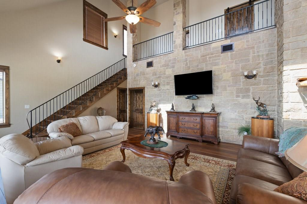 Active | 12120 Cow Creek  RD Marble Falls, TX 78654 4