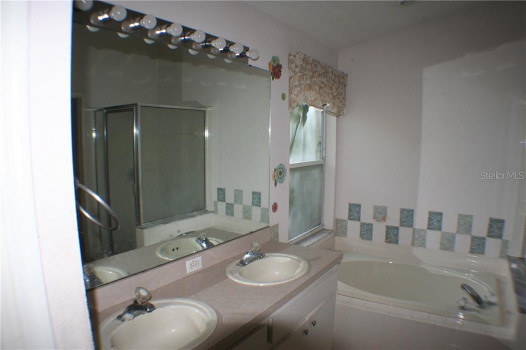 Sold Property | 419 VALENCIA PARK  DRIVE SEFFNER, FL 33584 9