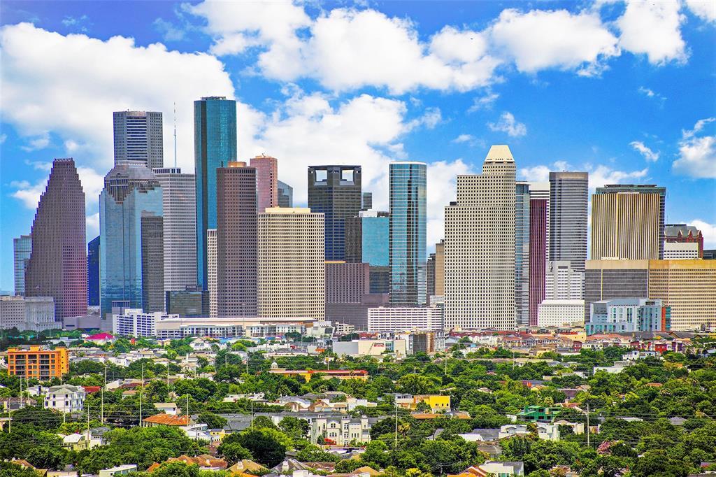 Active | 2121 Kirby Drive #32S Houston, Texas 77019 39