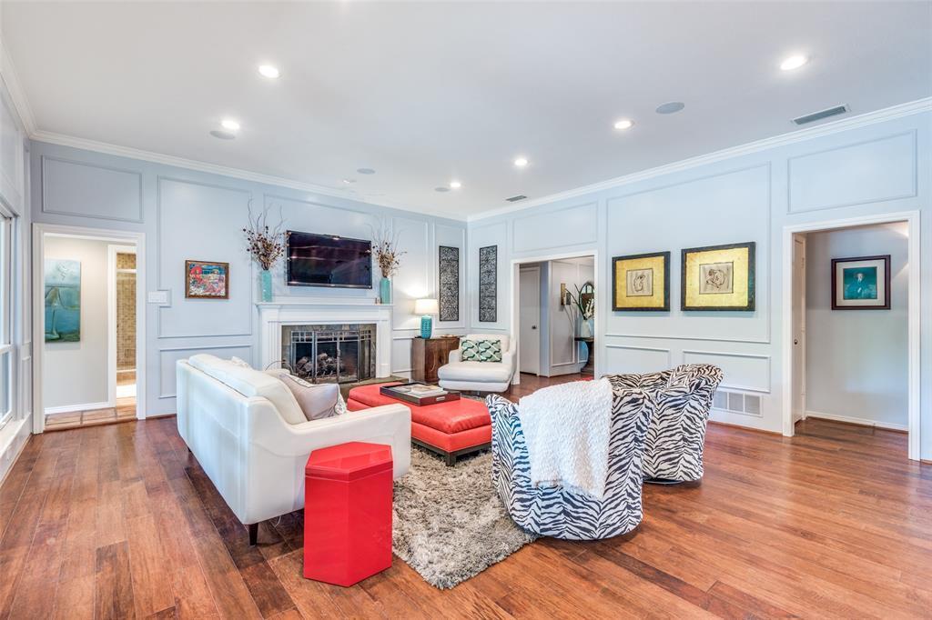 Sold Property | 9010 Fairglen  Drive Dallas, TX 75231 8