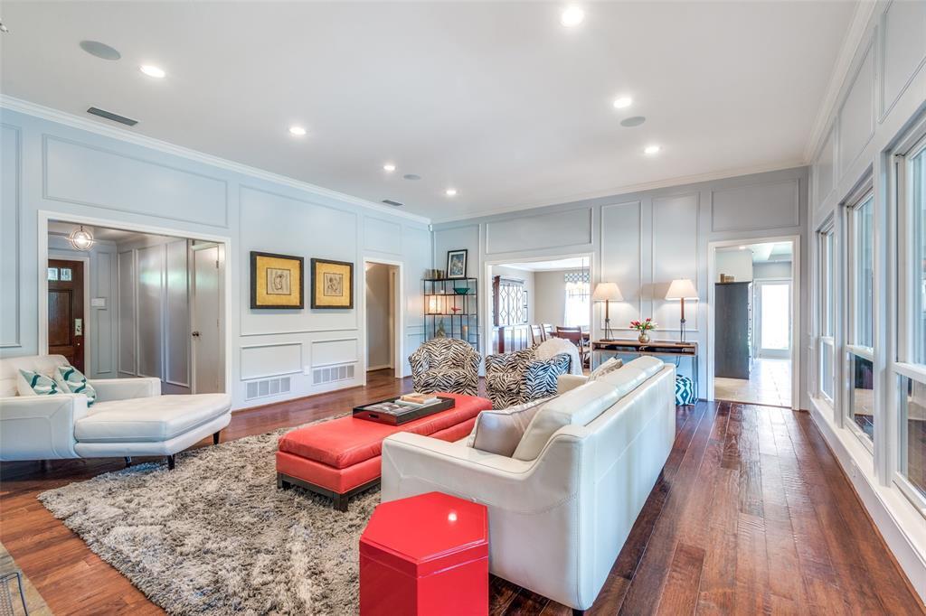 Sold Property | 9010 Fairglen  Drive Dallas, TX 75231 9