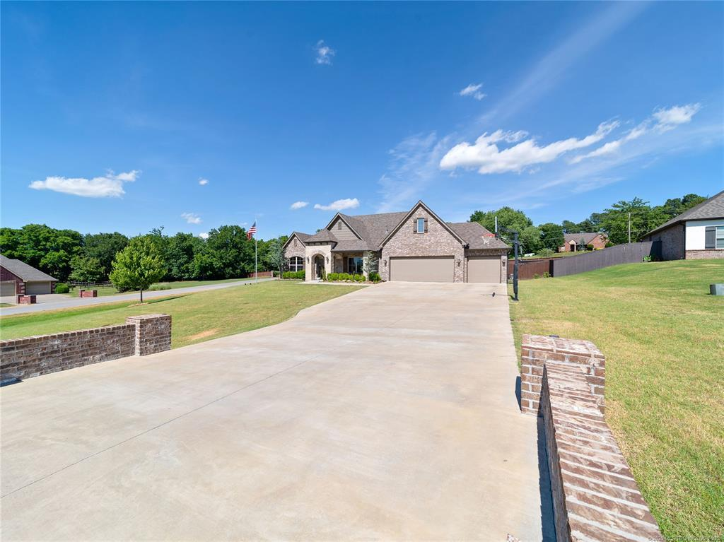 Active | 19471 Pecan Ridge Circle Claremore, OK 74017 3