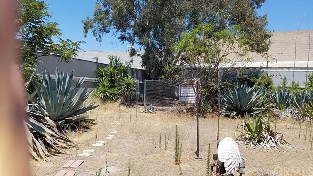 Pending | 12581 Branford Street Arleta, CA 91331 7