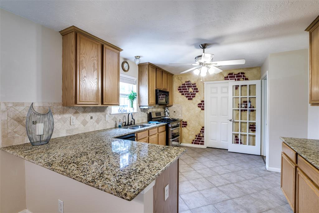 Pending | 13510 Country  Circle Tomball, TX 77375 14