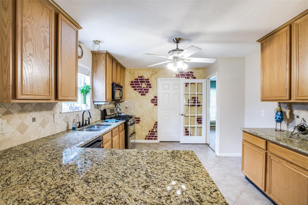 Pending | 13510 Country  Circle Tomball, TX 77375 16