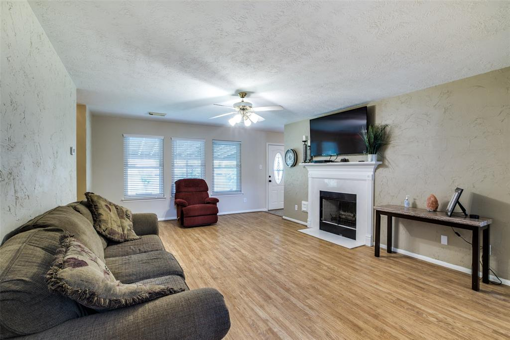 Pending | 13510 Country  Circle Tomball, TX 77375 10