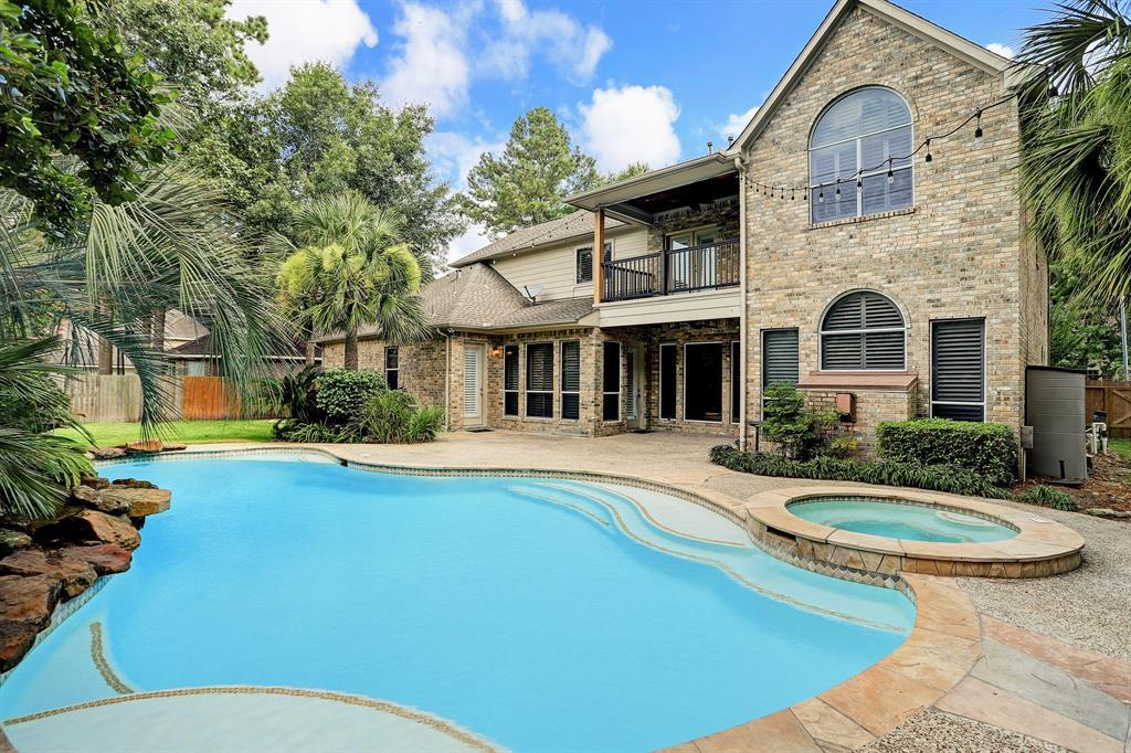 Active | 2807 Hazy Hillside Court Kingwood, Texas 77345 1