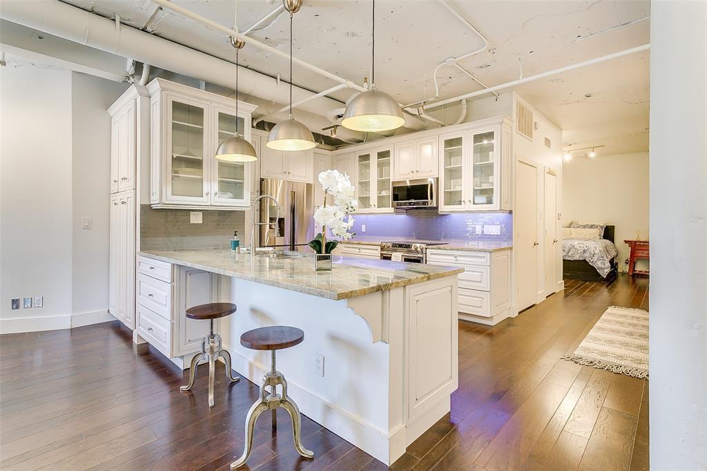 Sold Property | 910 Houston  Street #203 Fort Worth, TX 76102 1