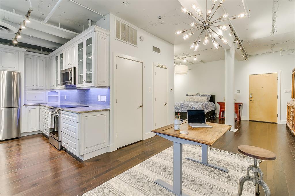 Sold Property | 910 Houston  Street #203 Fort Worth, TX 76102 14