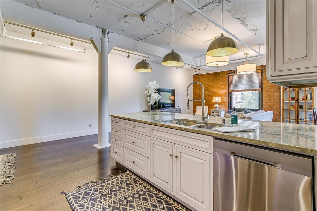 Sold Property | 910 Houston  Street #203 Fort Worth, TX 76102 17