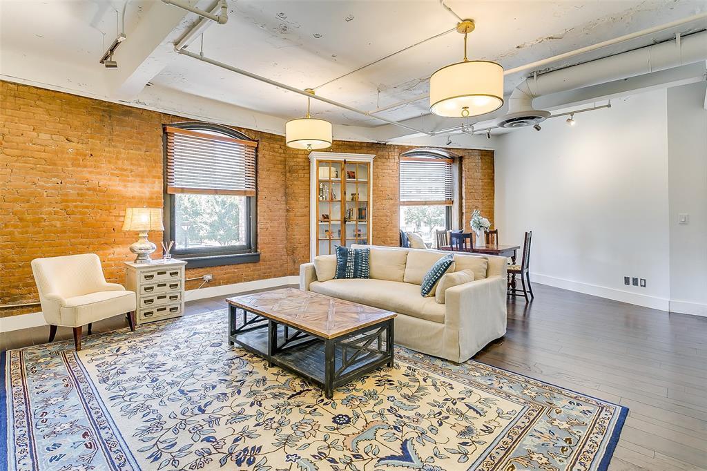 Sold Property | 910 Houston  Street #203 Fort Worth, TX 76102 18