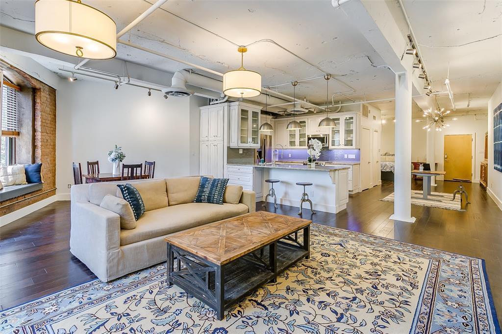 Sold Property | 910 Houston  Street #203 Fort Worth, TX 76102 19