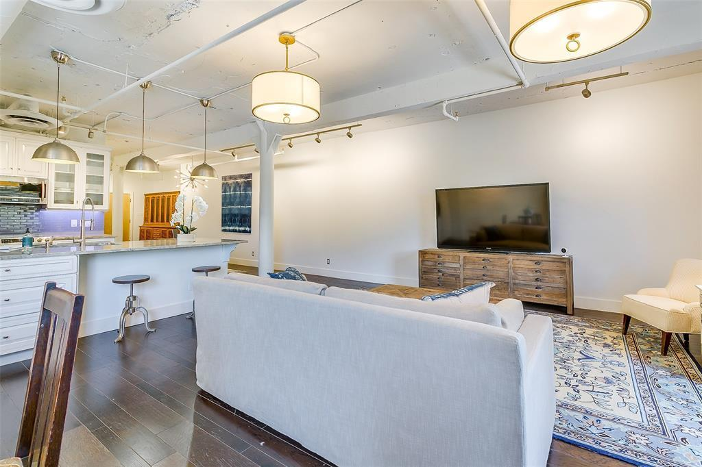 Sold Property | 910 Houston  Street #203 Fort Worth, TX 76102 20