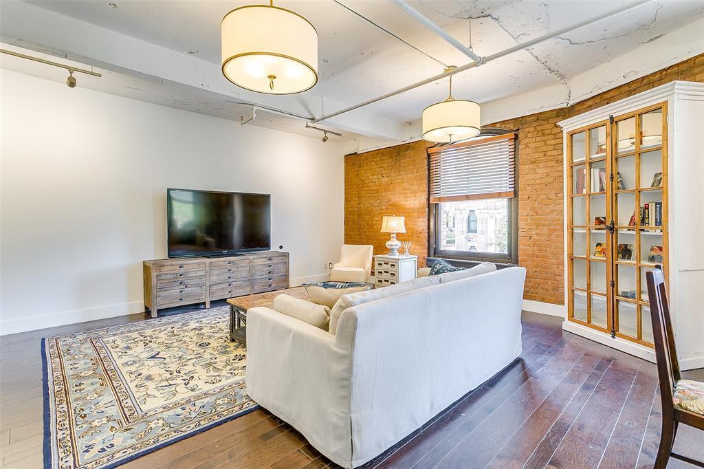 Sold Property | 910 Houston  Street #203 Fort Worth, TX 76102 21