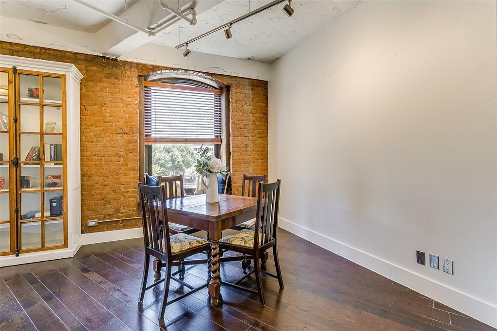 Sold Property | 910 Houston  Street #203 Fort Worth, TX 76102 23